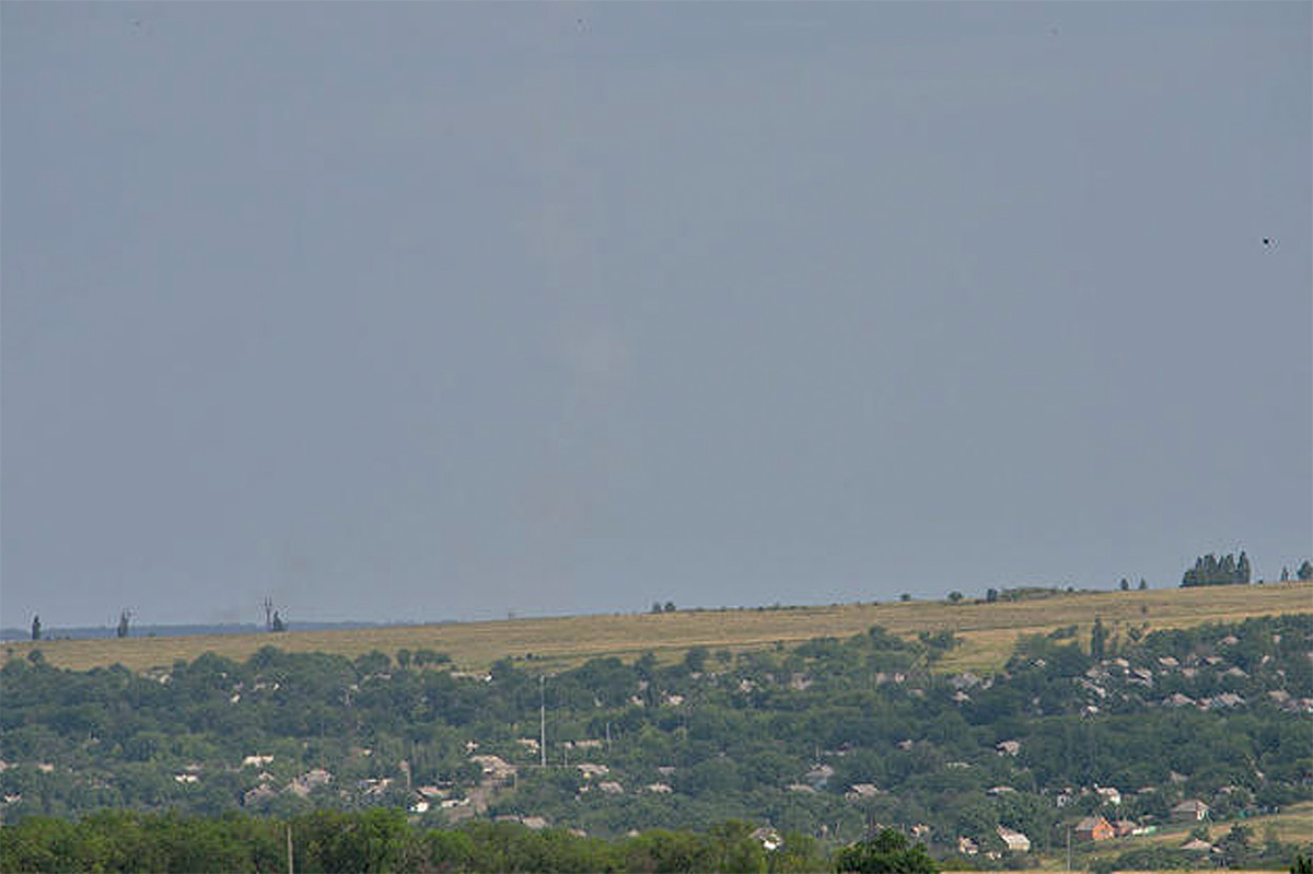 Оригинал фотка вместе с инверсионным засим ракеты, сбившей «Боинг» МН-17. Опубликовано Сергеем Пархоменко